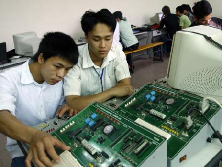 Từ 1/7/2015, Luật Giáo dục nghề nghiệp có hiệu lực: Mở ra nhiều cơ hội mới