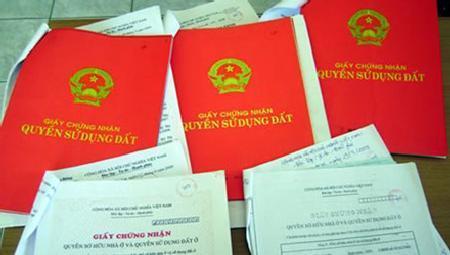 Lộ băng ghi âm vụ 'bôi trơn' sổ đỏ tại Hà Nội