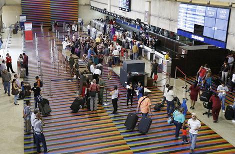 'Phường đạo chích' hoành hành tại sân bay quan trọng nhất Venezuela