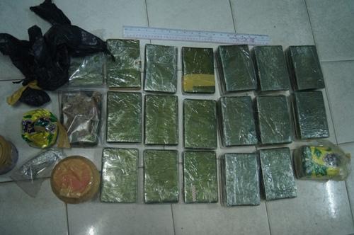 Đường dây mua bán, tàng trữ 600 bánh heroin bị triệt phá thế nào?