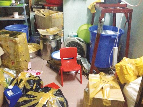 Lãnh hậu quả vì mỹ phẩm dỏm: Bát nháo sản xuất, mua bán