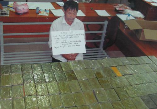 Ông trùm cất giấu hàng trăm bánh heroin ở nhà người tình
